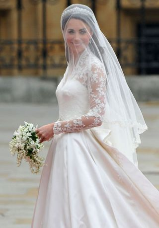 Kate_middleton_wedding_dress_m